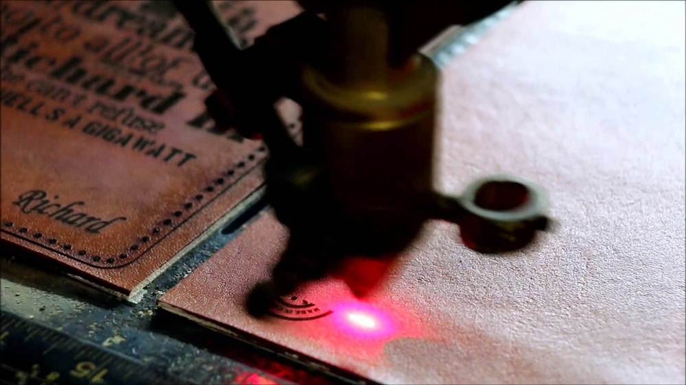 Laser engraving machine processing leather common process